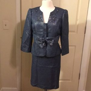Dark blue jacket and skirt suit! Bow front!